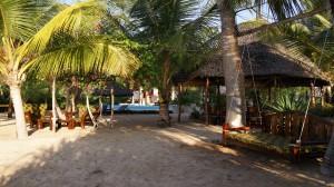 Zanzibar Villa Tatu Swinging Sofa