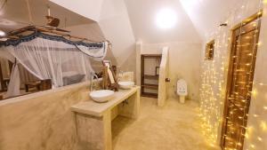 zanzibar-beach-bungalow-zanzibar-love-shack-interior