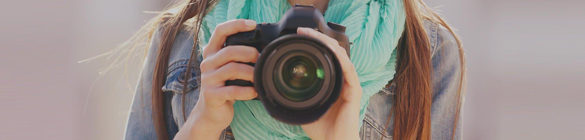 TAKING PICTURES ZANZIBAR